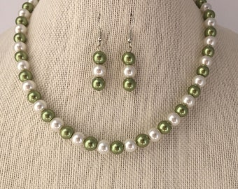 Sage Green Pearl Necklace, Sage Green Bridal Jewelry Set, Sage Green Wedding, Bridesmaid Wedding Jewelry Gift, Pearl Beaded Jewelry