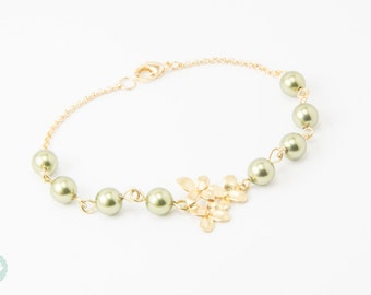 Orchid  bracelet, pearl bracelet, bridesmaid bracelet, bridesmaid gift, gold bracelet, gold chain bracelet,cute bracelet,friendship bracelet