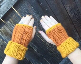 Hand Knit Wrist Warmer Fingerless Gloves