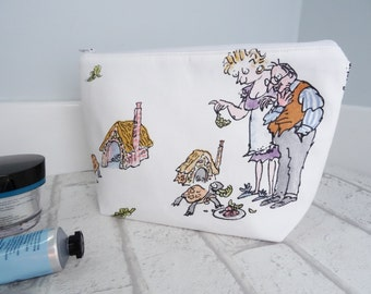 Esio Trot makeup bag, Esio Trot makeup pouch, Esio Trot wash bag , Esio Trot cosmetic bag, Esio Trot cosmetic pouch, Esio Trot pouch