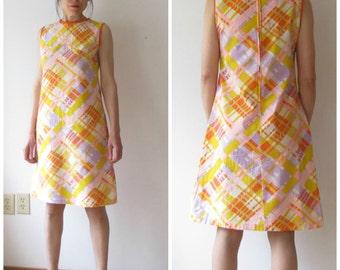Vintage 1960s Sleeveless Cotton Shift Dress / 60s sleeveless psychedelic dress /Pink Orange Yellow Purple Dress/ Size Sm Med