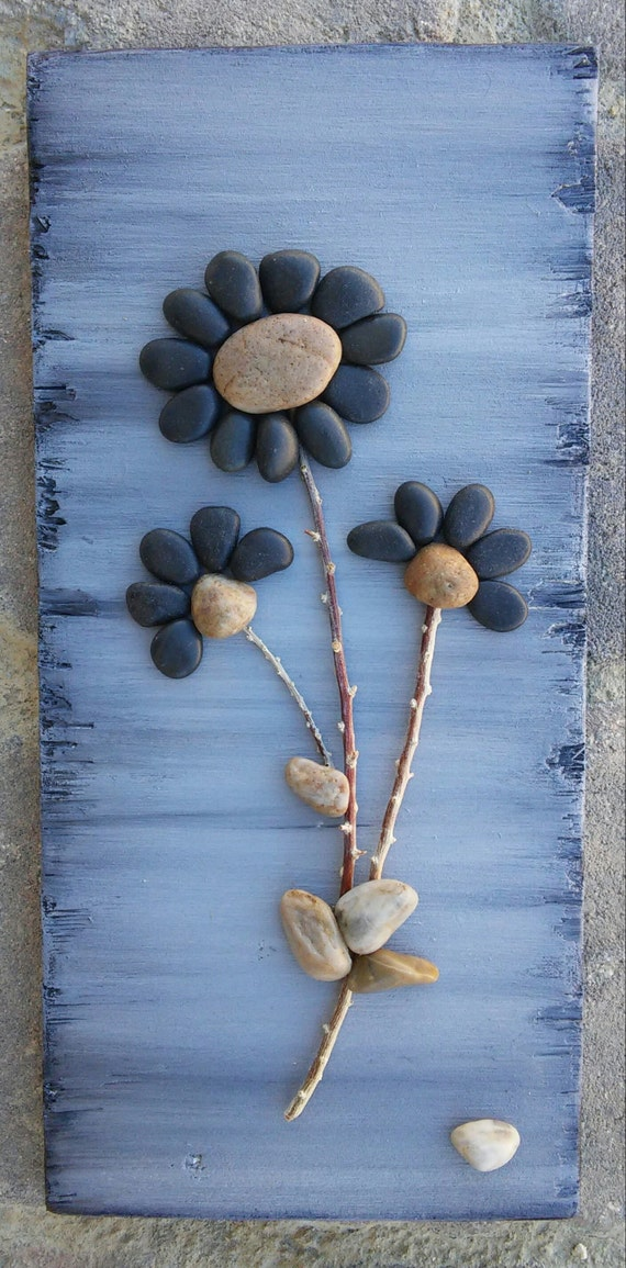 Pebble art rock art pebble art flowers rock art flowers for Art sites like etsy