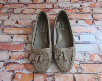 80s Grey Moccasin Flats / Sz 9 / Leather Shoes / COMFY / Oxfords / Slip-Ons