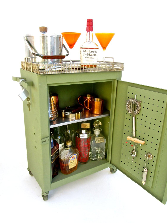 Vintage industrial metal mobile bar cabinet rolling - Mobile bar vintage ...