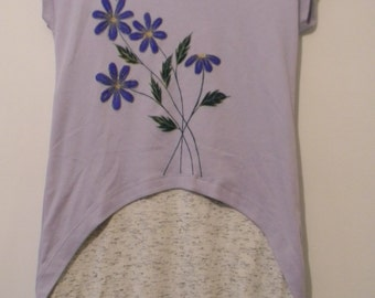 Hand painted women's t-shirt size 6
