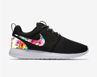 Nike Roshe Run Schwarz Weiß Gepunktet