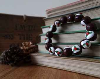 By the Shed Christmas Pudding Bracelet - Polymer Clay, Elasticated - Brown White Green - Festive, Christmas, Seasonal, Novelty, Xmas Pud