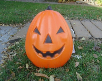 Vintage TPI Halloween Pumpkin Jack O Lantern Blow Mold Yard Decor