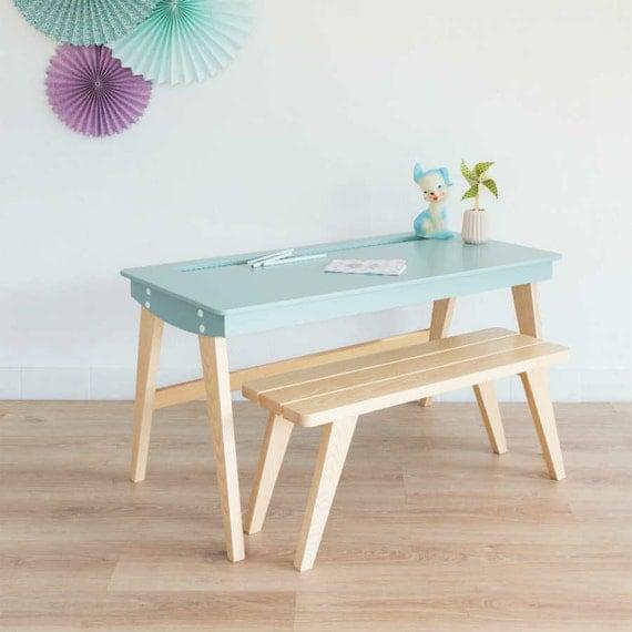 bureau enfant pupitre colier bureau et banc scandinave. Black Bedroom Furniture Sets. Home Design Ideas