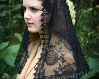 Evintage Veils~ Black Spanish Medallion Lace Mantilla Chapel Veil Classic D Shape OR Wrap