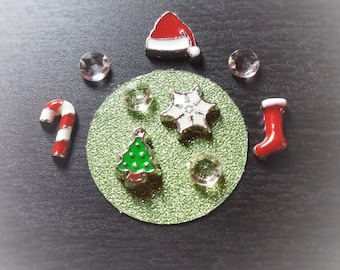 Christmas Floating Charm Set for Floating Lockets-10-Pieces-Includes Charms, Crystals, & Window Insert-Gift Idea