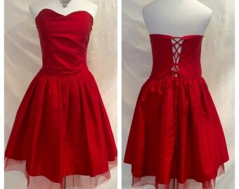 1980s Red Silk Sweetheart Strapless Corset Back Dress size S/M