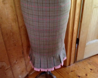 Review Skirt with pleated trim