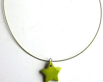 Green piece star necklace