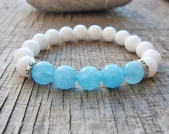 Aquamarine bracelet Yoga Bracelet Healing Stone Meditation Bracelet White agate bracelet Girls bracelet White and blue bracelet for girls