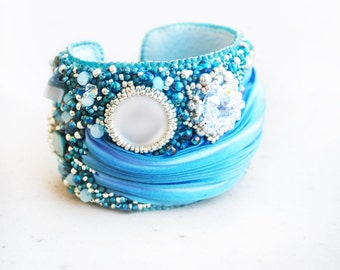 Shibori jewelry, shibori bracelet, Embroidery Bracelet, Blue Bracelet, Swarovski jewelry, Silk, leather bracelet, gifts, OOAK jewelry