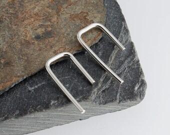 Silver Staple Arc Earrings, Minimalist Arc Earrings, Silver Bar Earrings, Arc Earrings, Line Wishbone Earrings, Modern Chic, 14 x 1mm