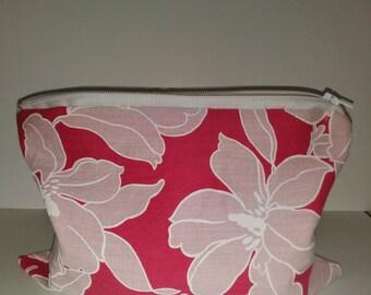 """9""""x7"""" Pink Floral Make-up/Stationary Bag Large"""