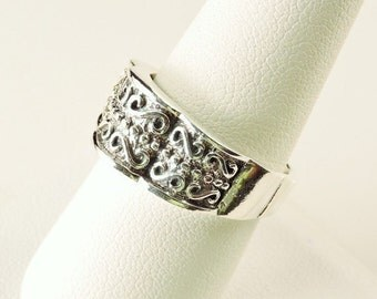 Size 9 Sterling Silver Textured Ring