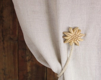 Set of 2 wooden magnetic curtain holdbacks - Alpine Star (Edelweiss)