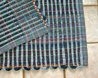"Rag Rug #389 blue jean rug 27"" x 38"" GREAT FOR DORMS"