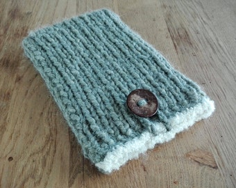 Knitted tablet/e-reader/laptop case, made of alpaca wool, available for (among others) MS Surface Pro 3