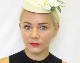 Cream Ivory Flower Pillbox Hat Fascinator Rockabilly Vtg Hair Races 1940s 465