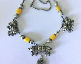 Yemen silver ethnic Necklace with resin Amber, hirz amulets and chain