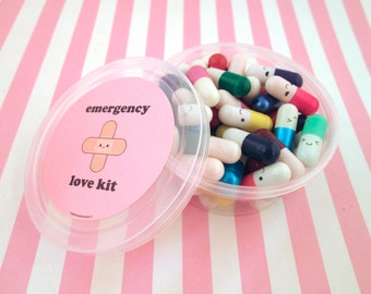 Multicolor Emergency Love Pill Kit Wish Pill Capsule with a Message Inside, Write Your Own Message Happy Pills