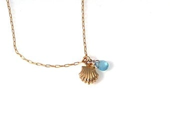 Beach necklace, Marine necklace, delicate gold chain +shell charm , Small shell pendant, Charm necklace, tiny gold necklace,small  necklace
