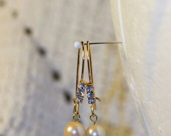 Gold plated white Topaz & Cultured Pearl Earrings, 6mm