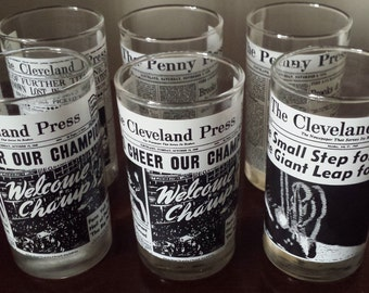 Glasses Newspaper News Headlines Cleveland Press Collector's Glassware Historical 6 Total 1970s D444-2