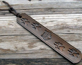 Leather Book Mark-Wolf-Wolves-Tooled Book Mark-Brown Leather Bookmarks-Animal Book Marker-Handmade-Book Accessories-Custom Gifts in 7 Colors