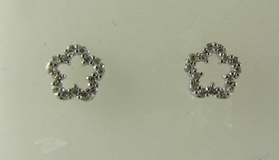 Diamond 0.13ct Stud Earring 14K White Gold Post and Push Back