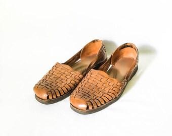 Brown woven leather huaraches size 7M - Women's woven leather shoes - Leather flats - Woven shoes - Boho hurarache - Brown leather sandal