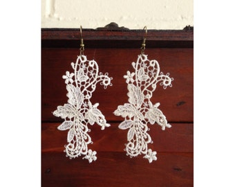 Handmade lace earrings with dangling vine floral design - shabby chic - ivory off-white Alençon lace - delicate lace earrings