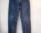 High waisted LEVIS/ straight leg 505 faded black denim, button fly, 29W 30L