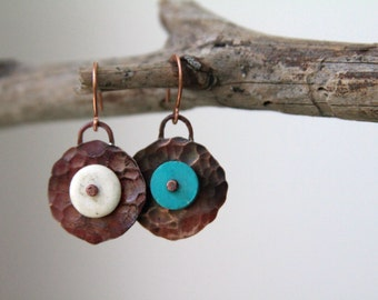 Hammered copper earrings - Round earrings
