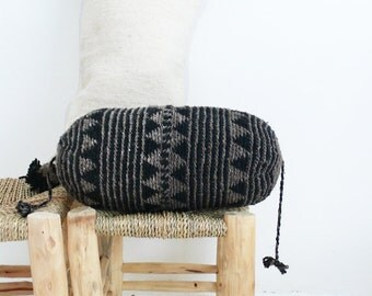 Pillow Crochet Marrakech  -  Black and Gray triangles