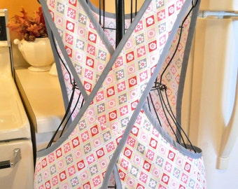Old Fashioned Full apron with a Crossover Back