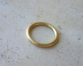 Simple Round Wedding Band in 18k Solid Gold