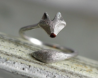 Sterling wrap fox ring. Adjustable silver ox ring with fox face and tail. Brushed and enameled. Fox jewelry.