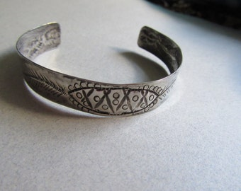 Mexican Silver Bracelet Rare Repousse Maciel 900 Silver Or Sterling  Small Cuff  Fine Jewelry Signed Designer Primitive Artisan