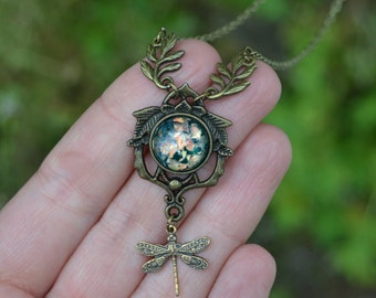 Dragonfly necklace with leaves antique brass , green opal necklace vintage style dainty dragonfly jewelry, whimsical jewelry, dainty jewelry