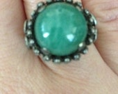 beautiful etched SILVER adjustable ring with emerald green stone