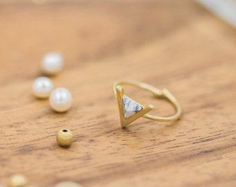 Gemstone Ring Adjustable ring Triangle ring Gold ring Crystal ring Bridal ring Wedding jewelry Gift mom Birthday Gift best friend Birthday