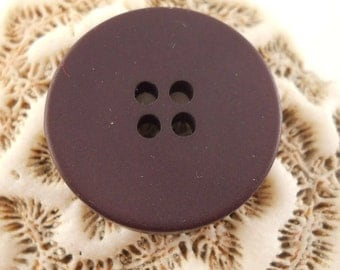 BUTTONS: Dark burgundy buttons, 5/8 and 7/8 inch sizes, set of 9 buttons.