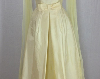 Vintage Beautiful Union Made Pale Yellow Beaded Formal Dress w/ Metal Zipper