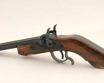 Vintage Cap Gun,  Replicas by Parris, Double Barrel,  Heavy Metal, Wood Stock Historic Replica Cap Gun