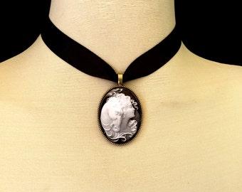 Equestrian gift, equestrian jewelry, horse necklace, horse jewelry, veterinarian gift, horse lover gift, horse lover jewelry, pony jewelry